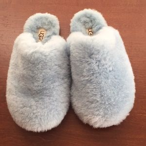 UGG blue fuzzy slippers